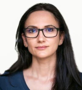 Dr. Andreea Solomon